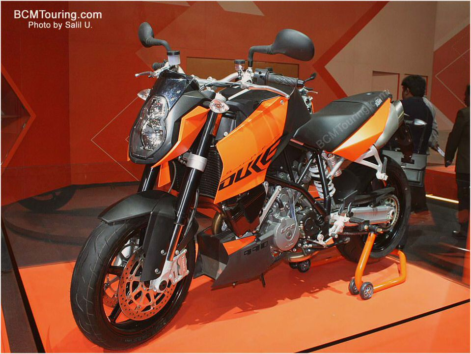 2012 KTM 990 SM T - Picture 436362 | motorcycle review